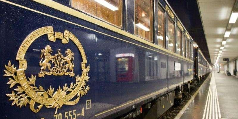Dîner gastronomique à L'Orient Express au cœur de Paris